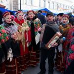 Grupo musical celebrando el Día de la Unidad Popular (Nizhni Nóvgorod)